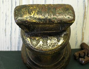 Antique brass 2lb bell weight - William IV made 1830 to 1837. Callington, Cornwall