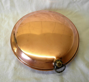 Victorian copper bed warmer, cot warmer. Antique hot water bottle