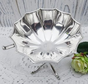 Art Deco silver plated bonbon dish by Gladwin Ltd, antique dodecahedral pedestal bowl, 1920s-30s, sugar cube bowl, basin, dining table decor