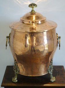 Victorian copper coal scuttle / lidded bin. Late 19th century fireside coal store. Open fire, log burner accessory. Aesthetic movement style
