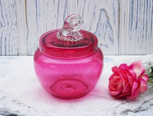 Vintage cranberry glass lidded pot, clear glass curled snail shell knob, trinket pot, dressing table pot, hand blown cranberry art glass