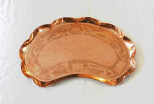 rt Nouveau copper tray, large late Victorian / Edwardian kidney shaped engraved copper tray.
