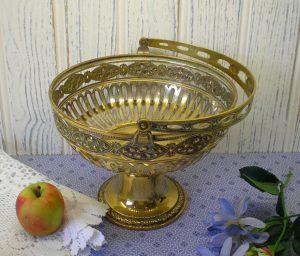 Art Nouveau WMF brass fruit basket - fruit bowl with swing handle - repoussé fretted brass basket - Württembergische Mettallwarenfabrik