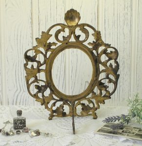 Victorian Rococo picture frame - antique oval gilded brass photo frame - gilt acanthus leaf frame - 19th century oval freestanding frame