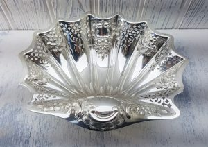 Antique silver plated shell dish by Atkin Brothers. Edwardian scalloped shaped bowl, fruit bowl, serving dish, bonbon dish, blank cartouche