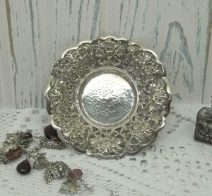 Vintage silver pin dish, solid silver filigree trinket dish, Continental silver dish small bowl, tea light holder, repoussé silver coin dish