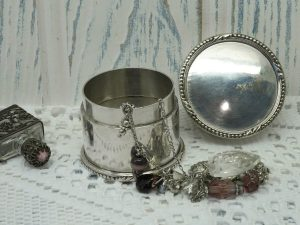 Antique silver plated lidded pot, vanity pot, dressing table pot