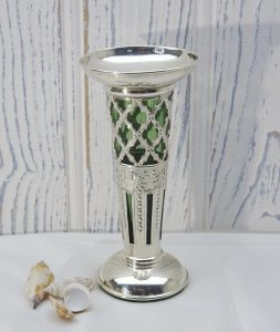 Edwardian solid silver bud vase with green glass insert, by James Deakin & Sons, Chester 1906.