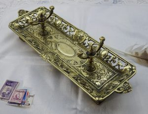 ITALIANATE BRASS PEN TRAY