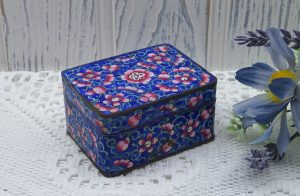 Antique Japanese cloisonné box, enamelled copper trinket box, made in Japan, pink flowers. Jewellery box, decorative enamel box. 1920 - 1930