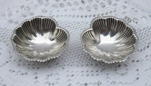 Antique silver plated salts, pair leaf shaped salt cellars, early 20th century, bun feet, dining table decor, wedding gift, wedding decor