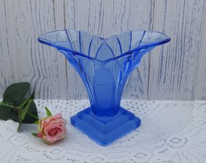 Vintage Walther & Sohne Art Deco blue glass vase ~ 1930's Greta flower vase ~ flower arranging ~ wedding table decor ~ floristry ~ wide vase