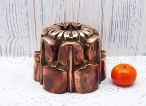 Victorian copper jelly mould, design 389, like Benham & Froud. Kitchenalia, antique blancmange mould