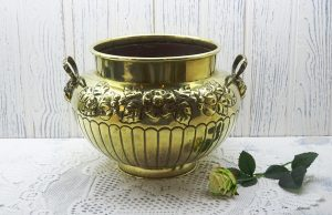Victorian Soutterware brass jardinierre, William Soutter & Sons, Birmingham. Brass planter, plant pot holder, indoor gardening, gardenalia