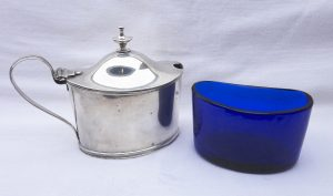 Solid silver George III mustard pot with cobalt blue glass liner, Adam style. Charles Chesterman II London 1800. Georgian crested silverware