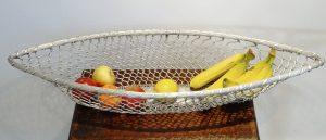 Vintage French wire baguette basket, long silver coloured wire bread basket. French stick basket, long fruit basket, large storage basket.