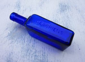 Antique French cobalt bottle for Deschiens Hémoglobine syrup, Edwardian medicine bottle, cure for anaemia, pharmaceutical bottle, apothecary