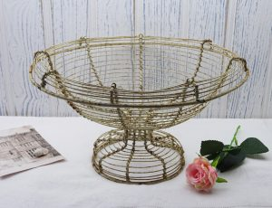 Antique French painted wirework bowl, wire basket, rusty shabby chic wire planter, bread basket, early 20th century, France, French decor