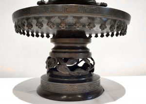 Antique Japanese Meiji Period bronze lamp, rewired for electricity, oil censer. 19th century bronze Japanese censer, antique light, lighting