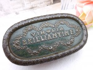 Antique Vinolia Brilliantine tin, 1900's Edwardian tin, hair products, hair treatment tin Paris, New York, London. Hairdressing, hair salon