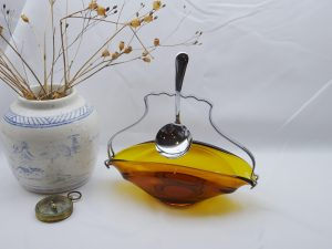Vintage Sowerby amber glass bowl with chrome plated handle and spoon, jam dish, sauce boat, serving dish, bowl, dining table decor, cafe