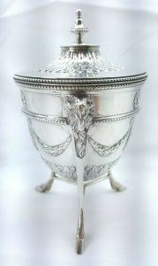 Victorian Sterling silver covered sugar bowl Goldsmiths & Silversmiths co. 1900, Adam style neoclassical solid silver sugar basin, rams head