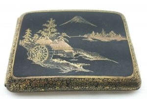 Vintage niello & damascene Japanese cigarette case with Mount Fuji scene, Japan. Tobacciana, smoking accessory, gold inlay, black enamel