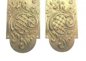 19th century pair of French gilt pressed brass rococo finger plates, very long Chateau chic door plates