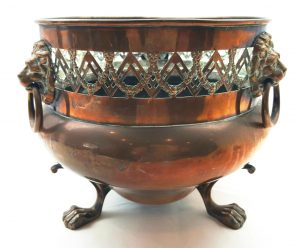 Soutterware copper jardiniere planter 19th Century William Soutter Sons, neoclassical Adam style swags, lion head handles and claw feet