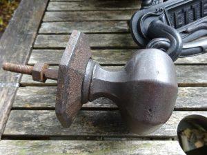 Victorian cast iron door pull by Archibald Kenrick & Sons Ltd, 3 inch, period door furniture, octagonal large central door pull, handle