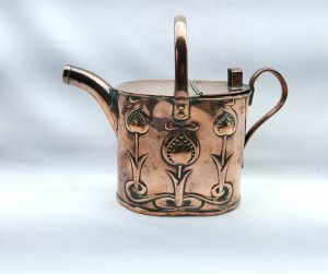 Copper watering can with Art Nouveau design by Joseph Sankey & Sons, Birmingham, Arts Crafts Edwardian, registered design date 1904