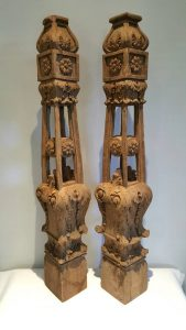 https://www.etsy.com/uk/listing/823946700/vintage-carved-posts-a-pair-of-very?ref=shop_home_active_5&frs=1