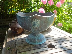 Antique copper jardiniere, urn shape copper planter, lion head ring side handles, copper ice bucket, verdigris plant pot, gardenalia, urn