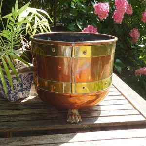 Antique copper jardiniere with brass bands, Arts & Crafts planter, copper rivets, claw feet, plant pot holder, indoor gardening, gardenalia