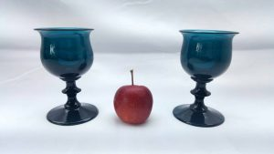 Georgian drinking glasses, beautiful teal colour with ogee shaped bowls and bladed centre knops, Regency circa 1810 to 1830 turquoise color