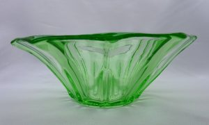 Art Deco green glass bowl, vintage oval green glass dish with fluted sides. 1930's serving dish, fruit bowl, pressed glass bowl