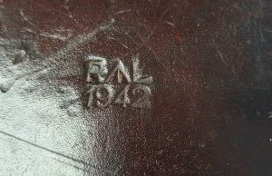 WWII 1942 leather ammunition bag RL - Royal Laboratories, (Woolwich Arsenal), possibly also a doctor's medical equipment bag for field use.