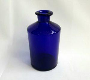 Georgian cobalt blue apothecary bottle with pontil scar mark on base circa 1830