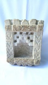 19th Century Indian carved stone niche, antique small hand-hewn sandstone niche ideal for a figure of a deity or a lamp light