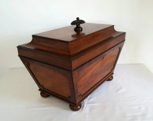 Georgian mahogany sarcophagus cellarette, beautiful Regency or William IV wine cooler c. 1820 - 1830 with internal liner. Takes 6 bottles.