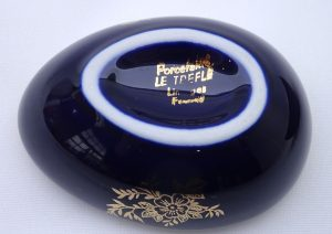 Vintage French Porcelaine Le Trefle Limoges egg trinket box