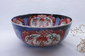Antique Japanese Imari bowl, 19th century large Imari fruit bowl