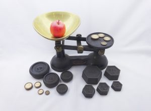 Vintage kitchen scales and weights, brass bowl, F. J. Thornton & Co Ltd Wolverhampton. The Viking Kitchen Scales, KGs, LBs, ounces and grams
