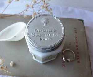 Vintage French milk glass vanishing cream pot with label & lid ~ Crème Siamoise Jour, Paris, France ~ Art Deco 1920's