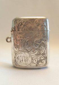 Antique silver vesta - a Victorian silver vesta case by Synyer & Beddoes, Birmingham hallmarked for 1899 23g
