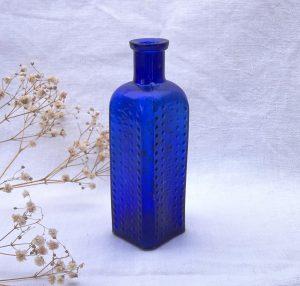 """Rare cobalt Vapo-Cresolene Co bottle, 5.25"""" size square hobnailed poison bottle, USA bottle, US patent date June 18th 1895 embossed on side"""