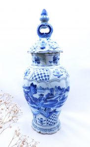 18th Century Delft covered vase by Antony Pennis, signed Dutch Delft pot with lid. De Twee Scheepjes, AP mark