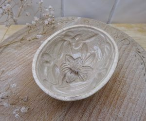 Victorian Wedgwood jelly mould, 4 inch Art Nouveau lily & morning glory pattern, creamware oval mold, antique blancmange mould, pattern 101