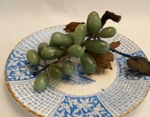 Vintage jade grapes - realistic & beautiful vintage jade stone faux green grapes for table or wall decoration, weighing nearly half a kilo.