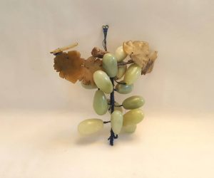 Vintage jade grapes - 14 realistic & beautiful vintage jade stone faux green grapes for table or wall decoration